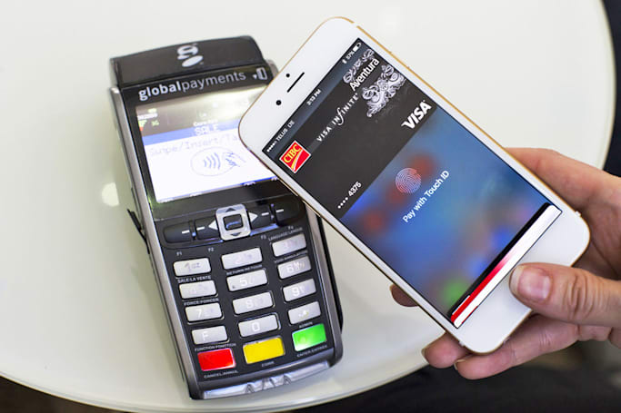 Apple Pay finally becomes useful in Canada