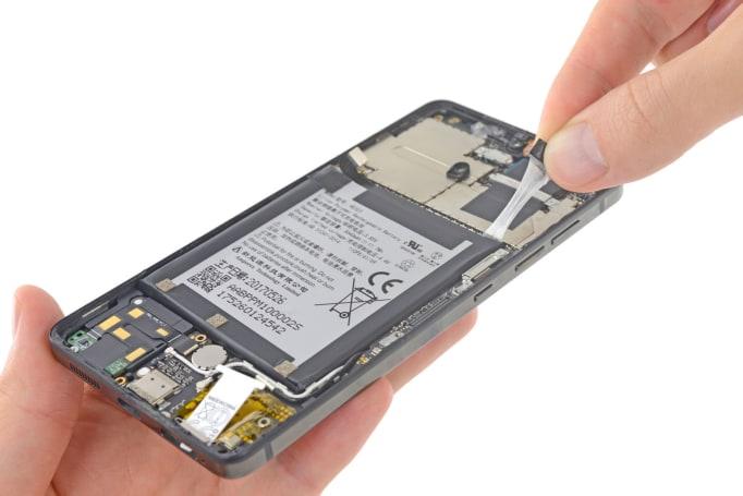 Essential Phone 不意外地超级难修啊!