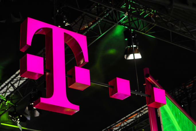 T-Mobile expands access to 5G now that it owns Sprint
