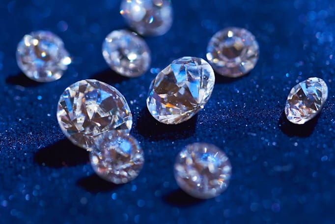 Silicon-laced diamonds could lead to practical quantum computers