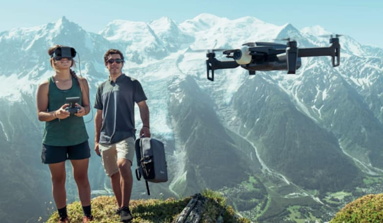 Parrot's latest drone includes an immersive cockpit headset