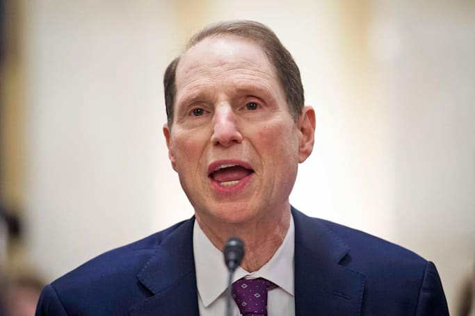 Senator Wyden wants to jail execs who don't protect consumer data