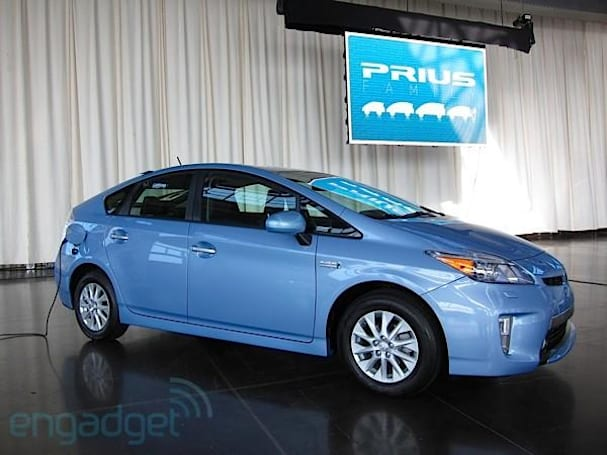 Hands-on with Toyota's Prius plug-in hybrid (video)