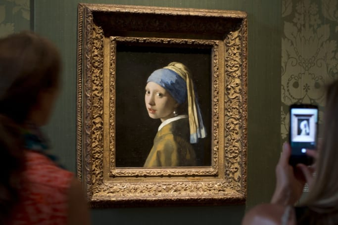Google's AR Pocket Gallery turns your phone into an art museum