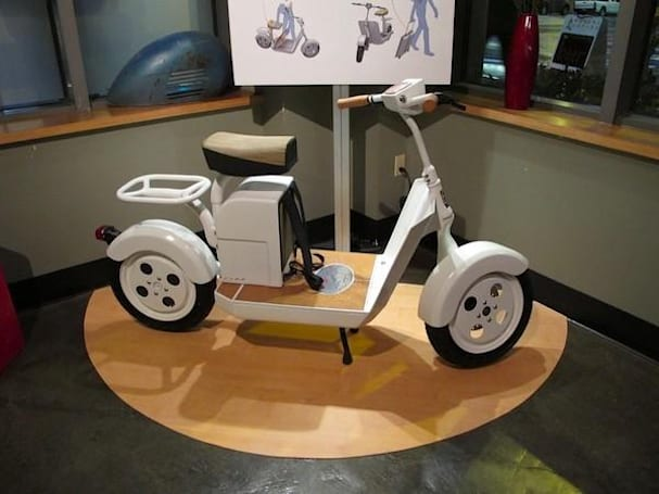 Fremont Motors shows off Fido electric scooter prototype