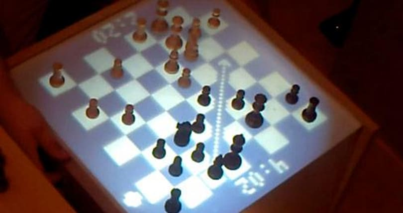 DIY Internet Chess Table makes online matches suddenly awesome (video)