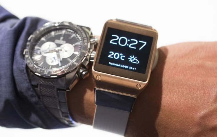 Samsung confirmed its next Gear smartwatch has a rotating bezel