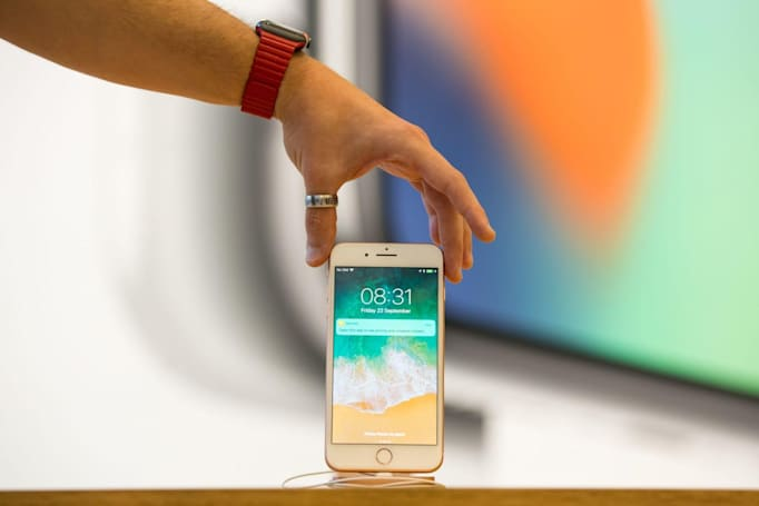 Apple exploring 'touchless' gestures and curved iPhone screens