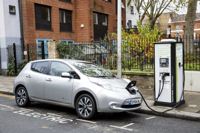 Uber wants all of its London drivers using EVs by 2025