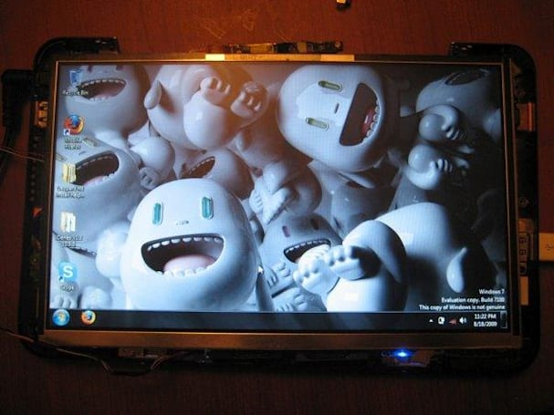 HP Mini 1000 hacked into touchscreen tablet