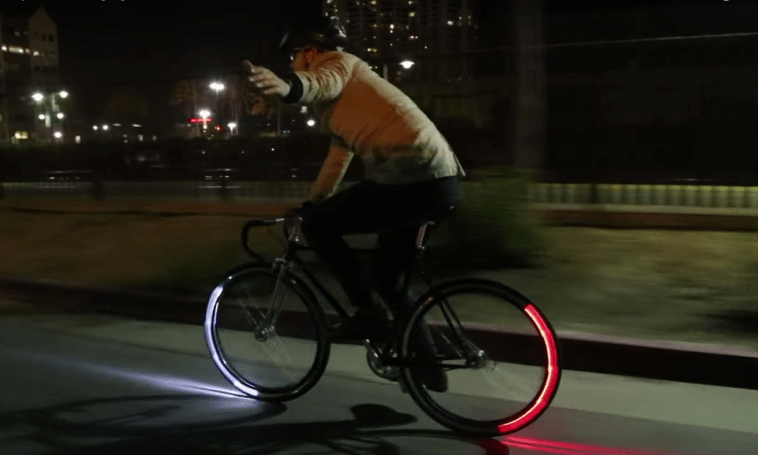 These Bluetooth lights turn your bike wheels into turn signals