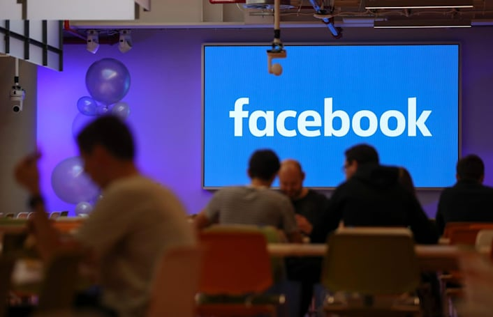 Facebook will send postcards to verify US election ad buyers