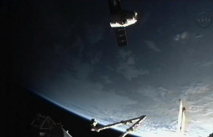 Watch the SpaceX Dragon capsule docking with the ISS, live (update: success!)