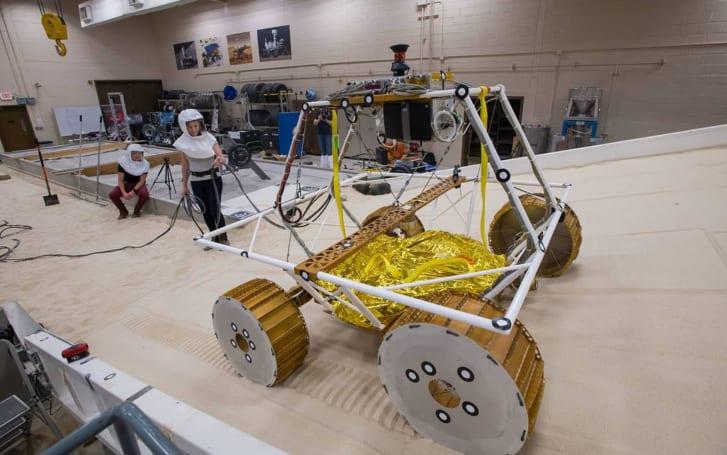 NASA tests its water-hunting lunar rover VIPER