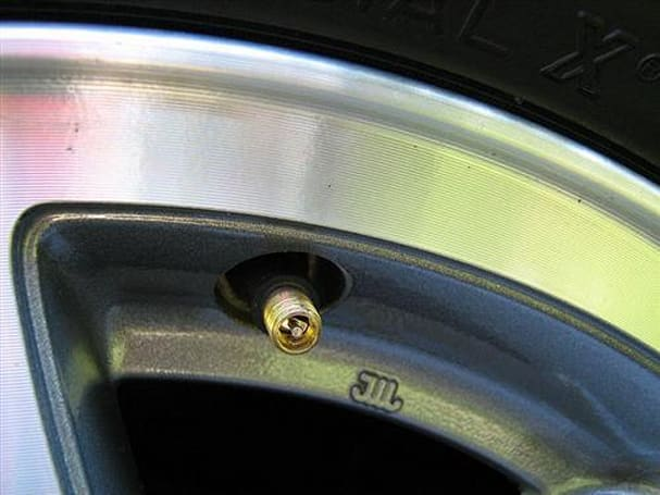 Goodyear's self-inflating tires could improve gas mileage, leave Schrader valves unsatisfied