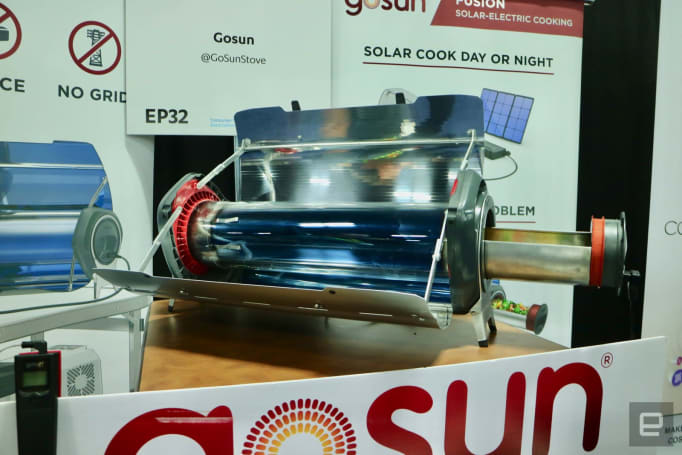 This portable, solar-powered oven was built for the apocalypse