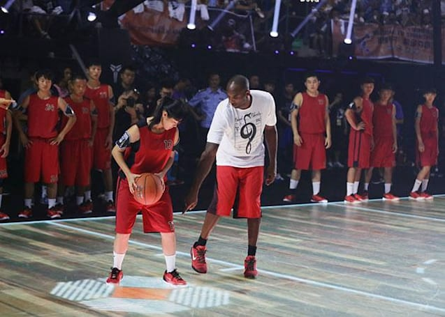Nike's LED basketball court boosts training with motion tracking
