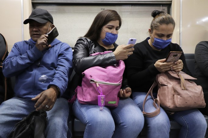 France asks Apple to lift Bluetooth limits to further its coronavirus tracker