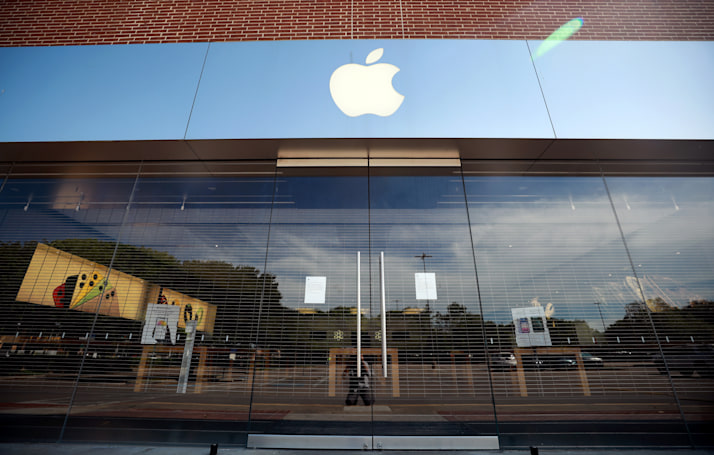 Apple gives $10 million from its manufacturing fund to a COVID-19 testing firm