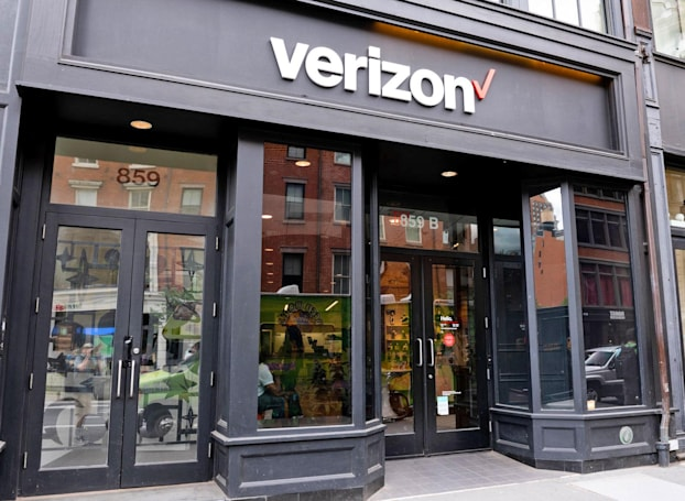 Major US carriers will stop selling customer location data to aggregators (updated)