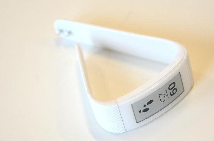Sony outfits the SmartBand Talk with an e-paper screen and voice calling