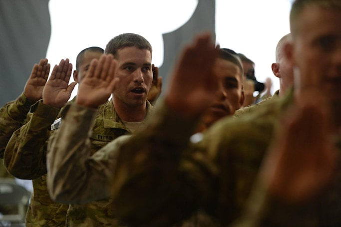US Army email mistake puts hundreds of immigrant recruits at risk