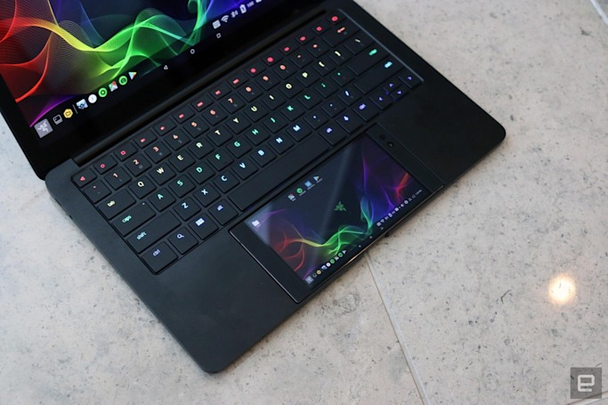 Project Linda is a laptop dock for the Razer Phone