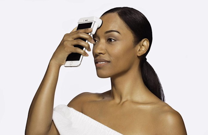 Neutrogena's scanner shows your skin in excruciating detail