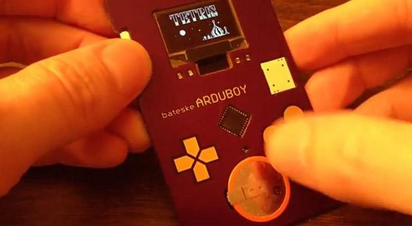 This Arduino-powered business card looks like a Game Boy and runs Tetris (video)