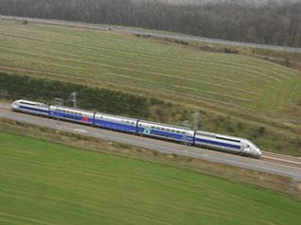 French train breaks rail speed record