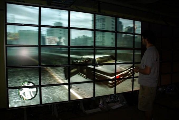 HIPerSpace monitor wall makes a great Grand Theft Auto IV canvas