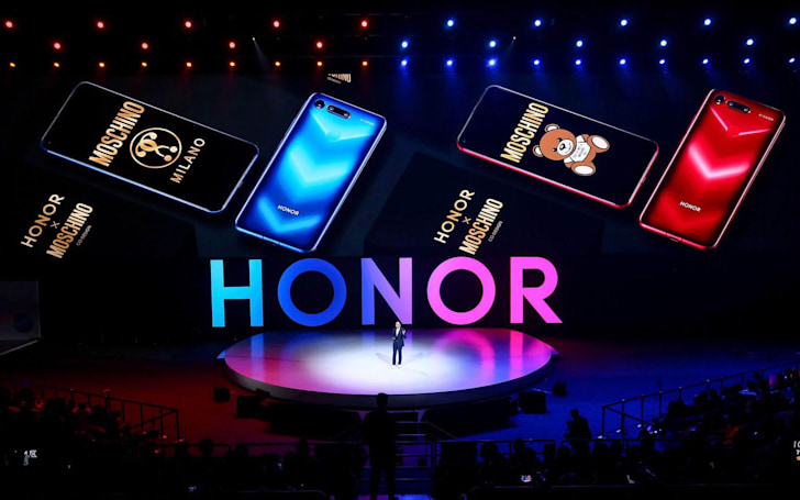 Honor's 'hole-punch' View 20 will get a Moschino edition