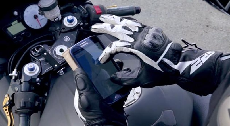 This liquid can make any glove touchscreen-friendly