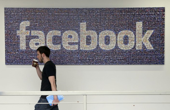Apple bans Facebook from running internal iOS apps following data misuse