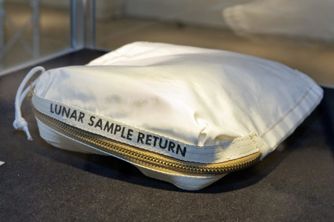 Report says NASA lost historical artifacts due to lax procedures