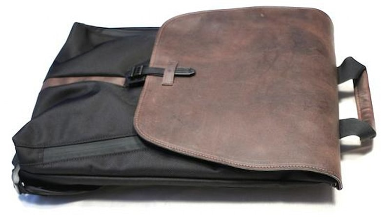 Waterfield Designs Staad BackPack carries your gear, looks awesome doing it