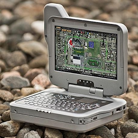 Itronix GD2000: a rugged handheld for your skydiving, bullet-dodging, building-scaling lifestyle