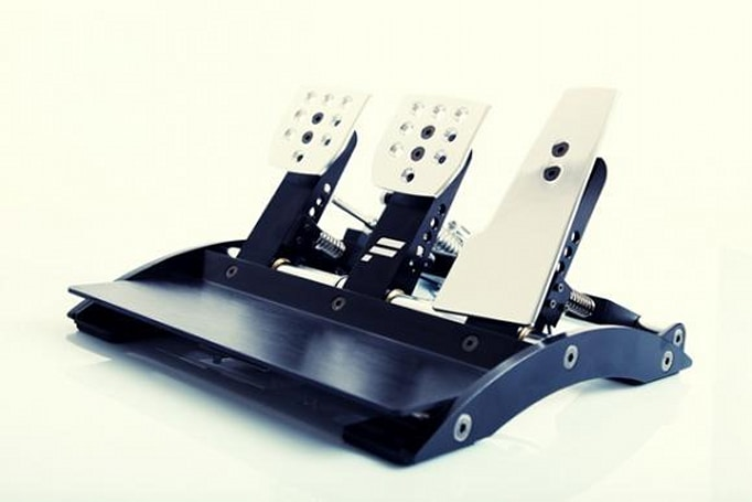Fanatec's Clubsport pedals V2 bring improved brake and clutch feel to the virtual speedway (video)