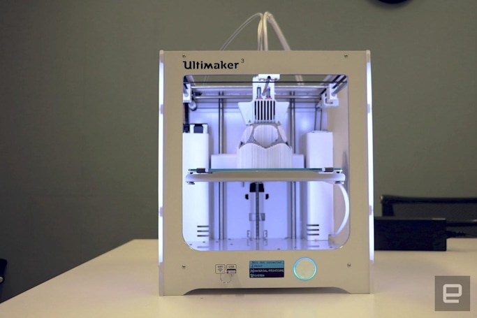 Ultimaker 3 can 3D-print using two materials at once