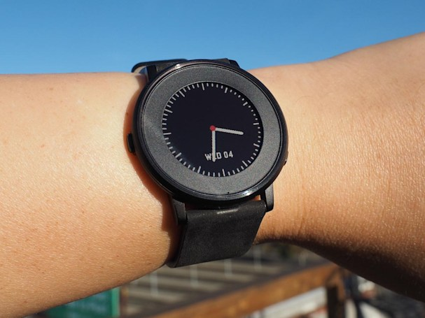 Pebble Time Round review: A prettier design comes with tradeoffs