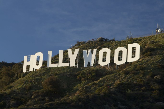 Warner Bros. wants to build a sky tram to the Hollywood sign