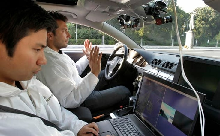 UK to let driverless cars loose on roads by January