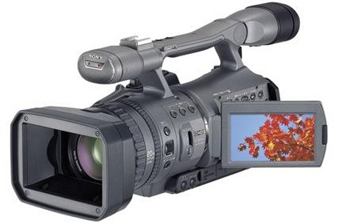Sony's HDR-FX7 HD camcorder for prosumers