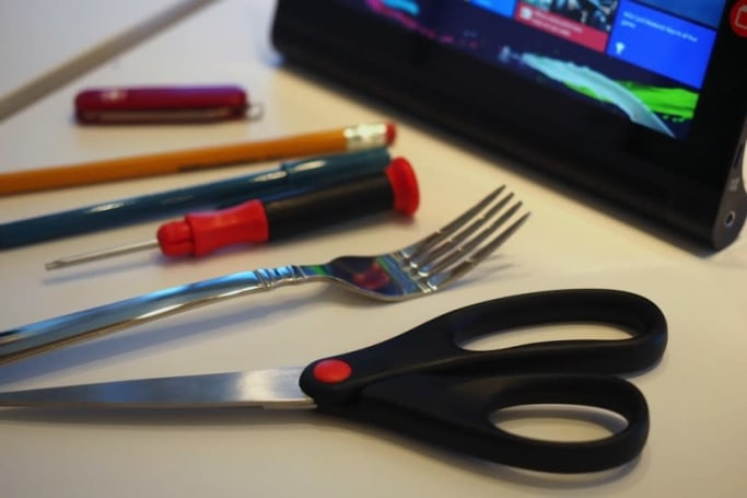 This Windows tablet lets you use any metal object as a pen