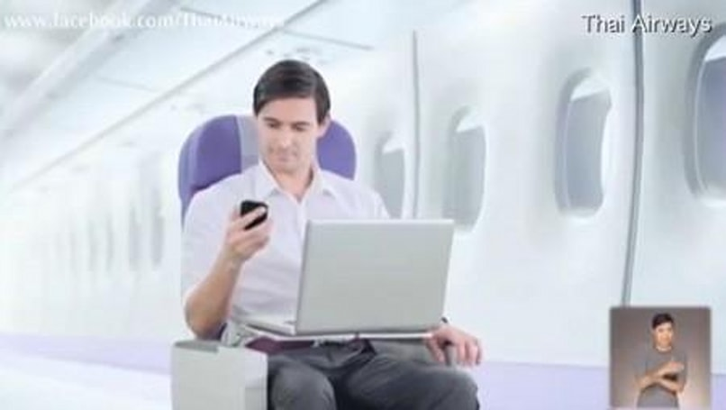 FAA planning to let you use your gadgets in flight
