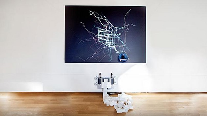 Route-tracing robot shows where bike lanes should be