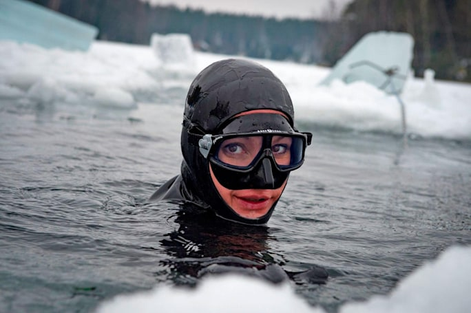 Synthetic 'blubber' could triple divers' survival time in icy water