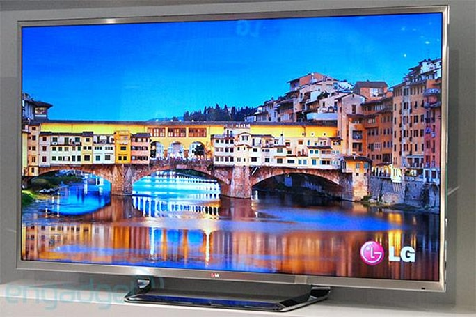 LG's 84-inch UD 3D TV makes its formal IFA debut, we go hands-on (video)