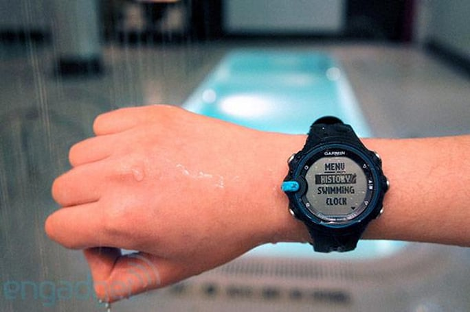 Garmin Swim watch tracks your water workouts, we hit the pool (hands-on)