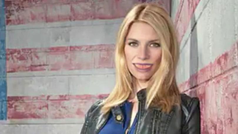 Twitter-bot plasters creepy smiles on celebrities' faces